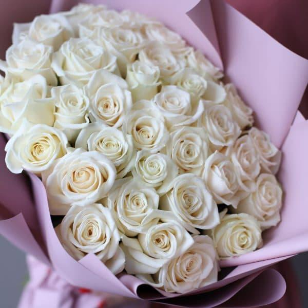 Монобукет из 35 Российских роз в оформлении №1020 - Фото 40