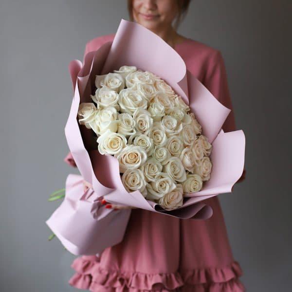 Монобукет из 35 Российских роз в оформлении №1020 - Фото 39
