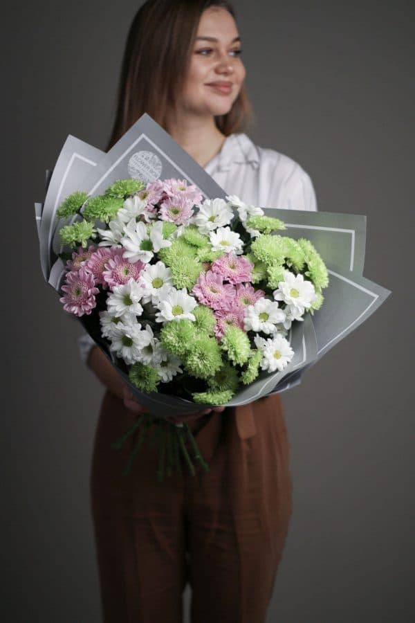 11 кустовых Хризантем микс в сером оформлении №686 - Фото 2
