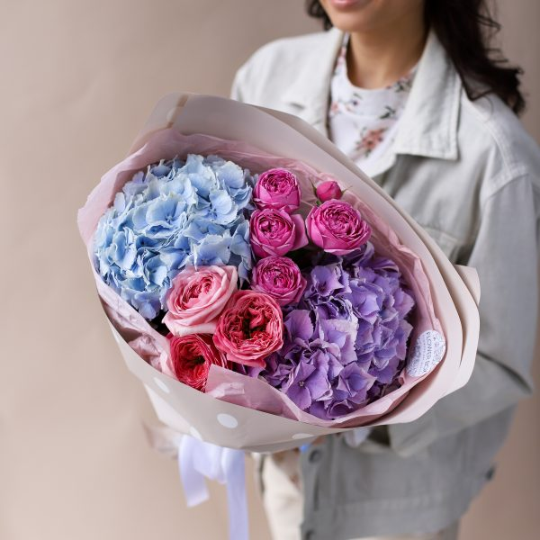 Сборный букет с гортензиями и пионовидными розами №835 - Фото 1