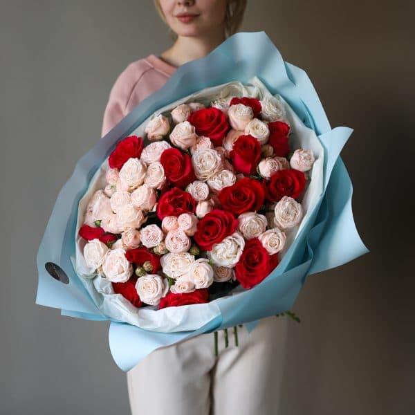 Букет из кустовых пионовидных и одноголовых Роз №887 - Фото 3