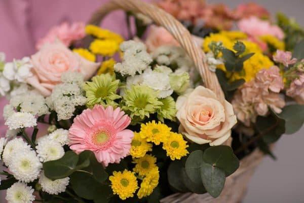 Нежная и ароматная летняя корзина с цветами №624 - Фото 3