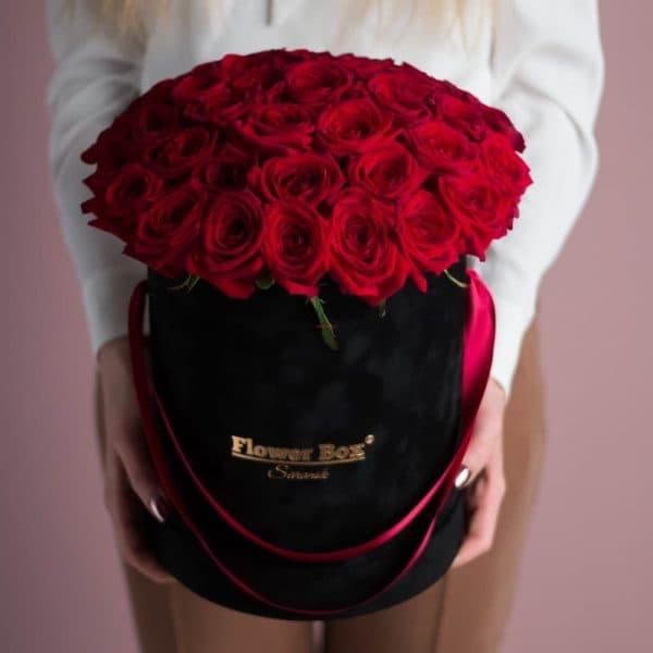 Шляпная коробка размера М из 41 розы бархат №525 - Фото 8