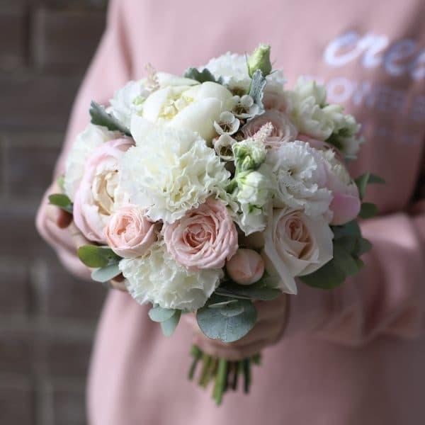 Нежный букет невесты с белыми пионами №967 - Фото 4