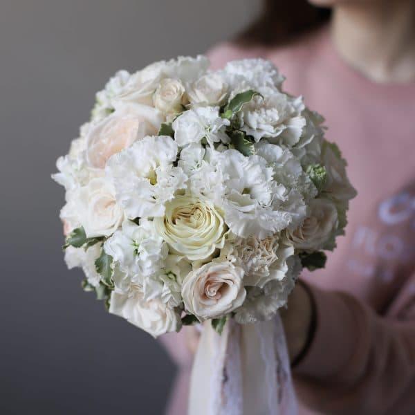 Воздушный букет невесты в кремовой гамме №988 - Фото 43