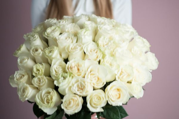 Охапка 41 роза белого цвета №524 - Фото 3