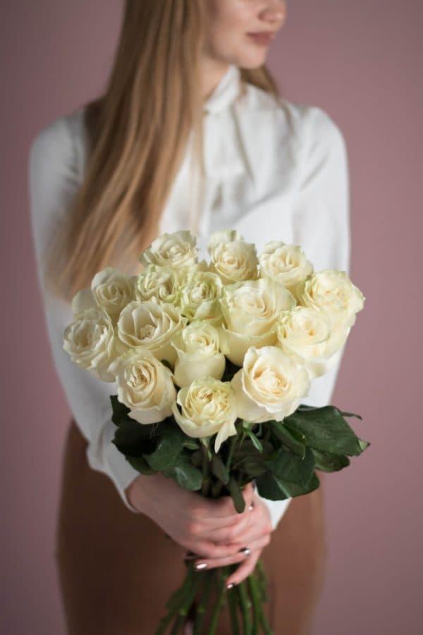 Охапка из 15 роз белого цвета №522 - Фото 2