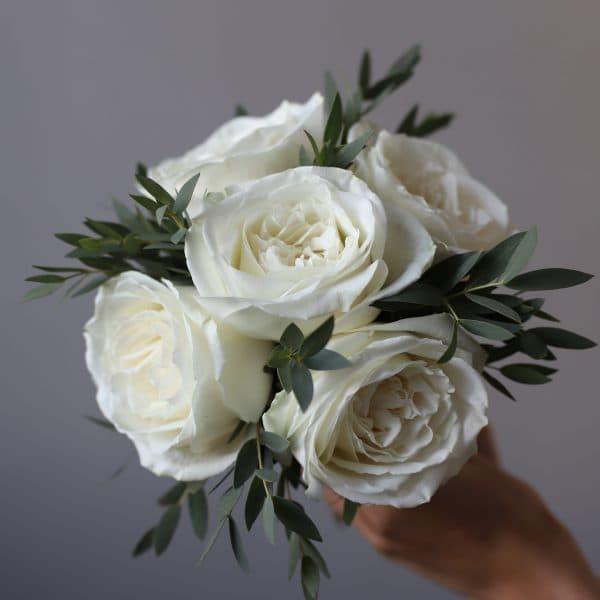 Свадебный букет из белых роз и эвкалипта №957 - Фото 1