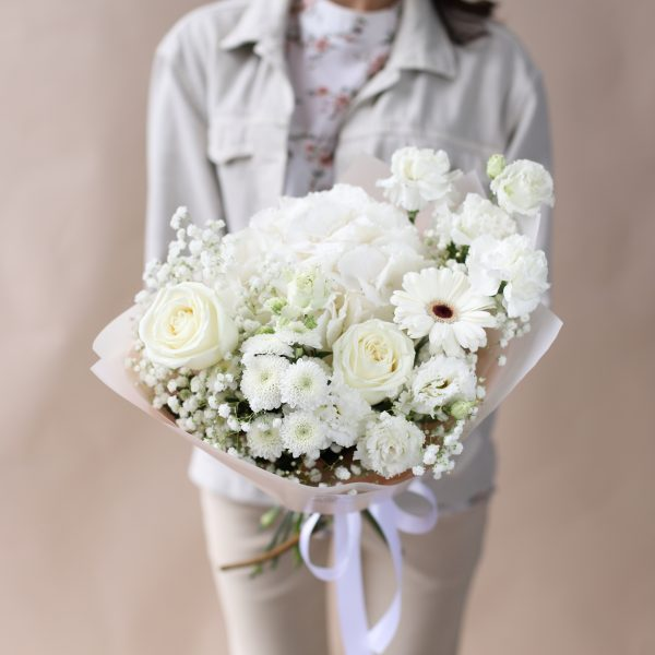 Букет в белых оттенках с гортензией №859 - Фото 3