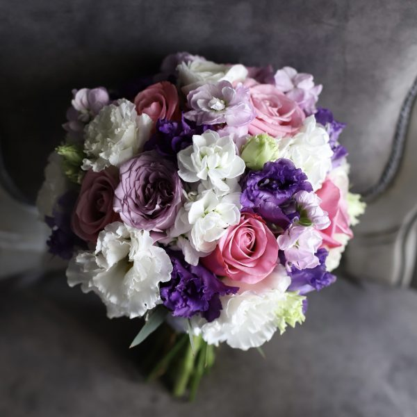 Свадебный букет с фиолетовыми цветами №974 - Фото 1
