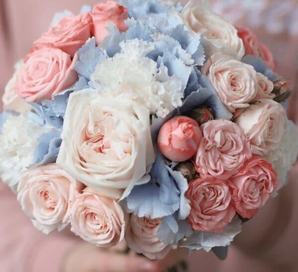 Классический круглый букет невесты в голубой и розовой гамме №1124 - Фото 2