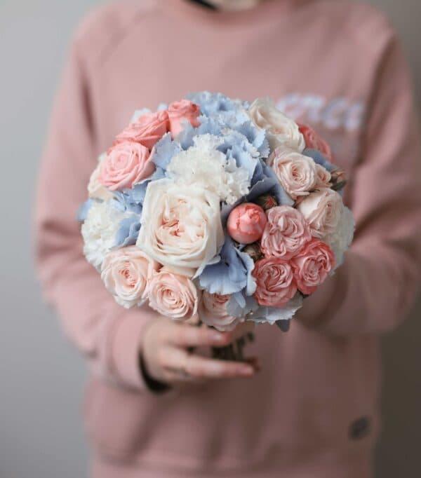 Классический круглый букет невесты в голубой и розовой гамме №1124 - Фото 1