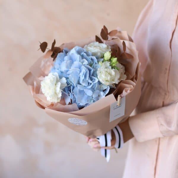 Сборный букет с голубой  гортензией №1152 - Фото 1