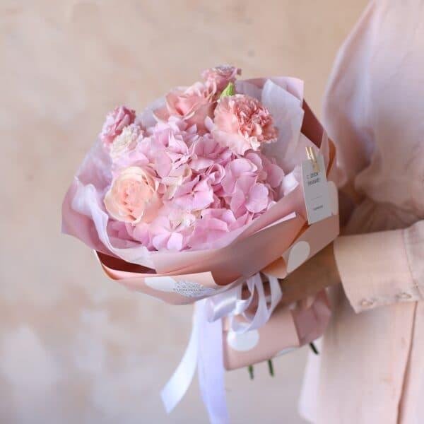 Сборный букет с розовой  гортензией №1153 - Фото 1