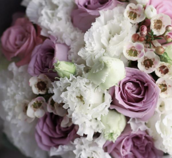 Свадебный букет с лавандовыми розами №992 - Фото 2
